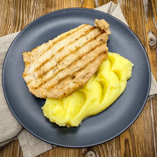Стейк из свинины и картофельное пюре