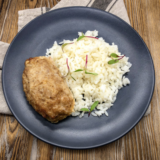 Котлета по-домашнему  и рис отварной